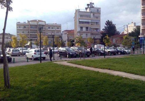Η πλατεία, η ανάπλαση και ένα ιδιωτικό υπόγειο πάρκινγκ